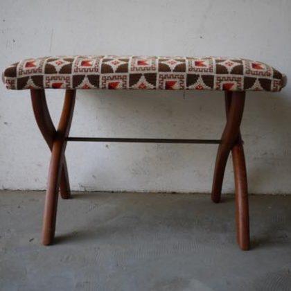 北欧中古家具、ビンテージ家具、チーク家具、スツール