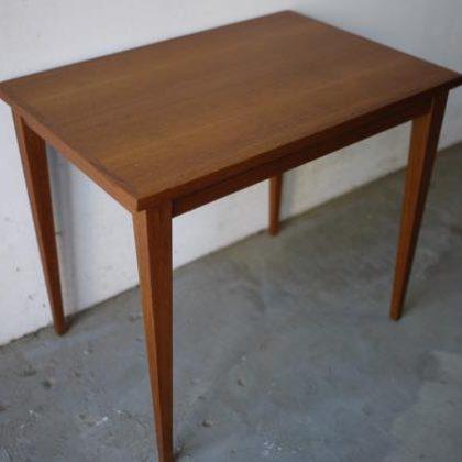 北欧中古家具、ビンテージ家具、チーク家具、サイドテーブル