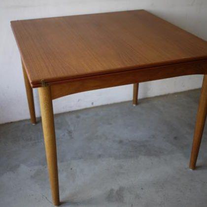 北欧中古家具、ビンテージ家具、チーク家具、ダイニングテーブル