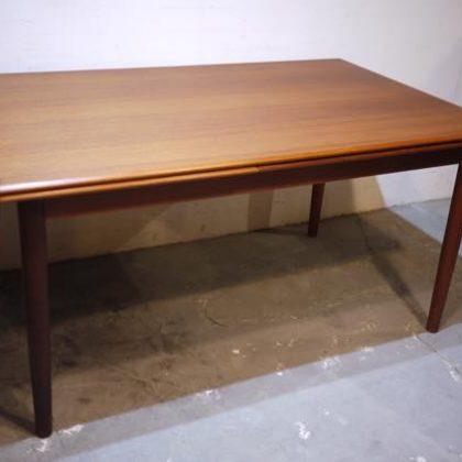 北欧中古家具、ビンテージ家具、デンマーク家具、チーク家具、ダイニングテーブル