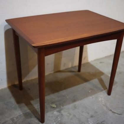 北欧中古家具、ビンテージ家具、デンマーク家具、チーク家具、サイドテーブル