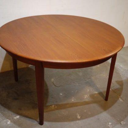 北欧中古家具、デンマーク家具、ビンテージ家具、チーク家具、ラウンドダイニングテーブル